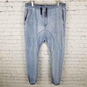 LIRA denim jogger jeans. NWOT